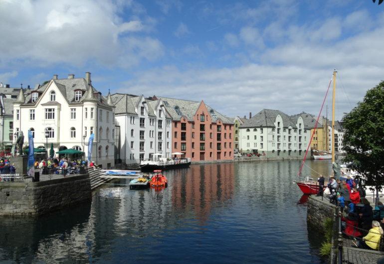 GoForCruise-Europa-NoorseFjorden-Noorwegen-Alesund2